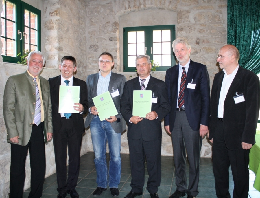 Förderschwerpunkte Dorferneuerung , Übergabe Urkunden an Bürgermeister des Unstrut - Hainich - Kreises