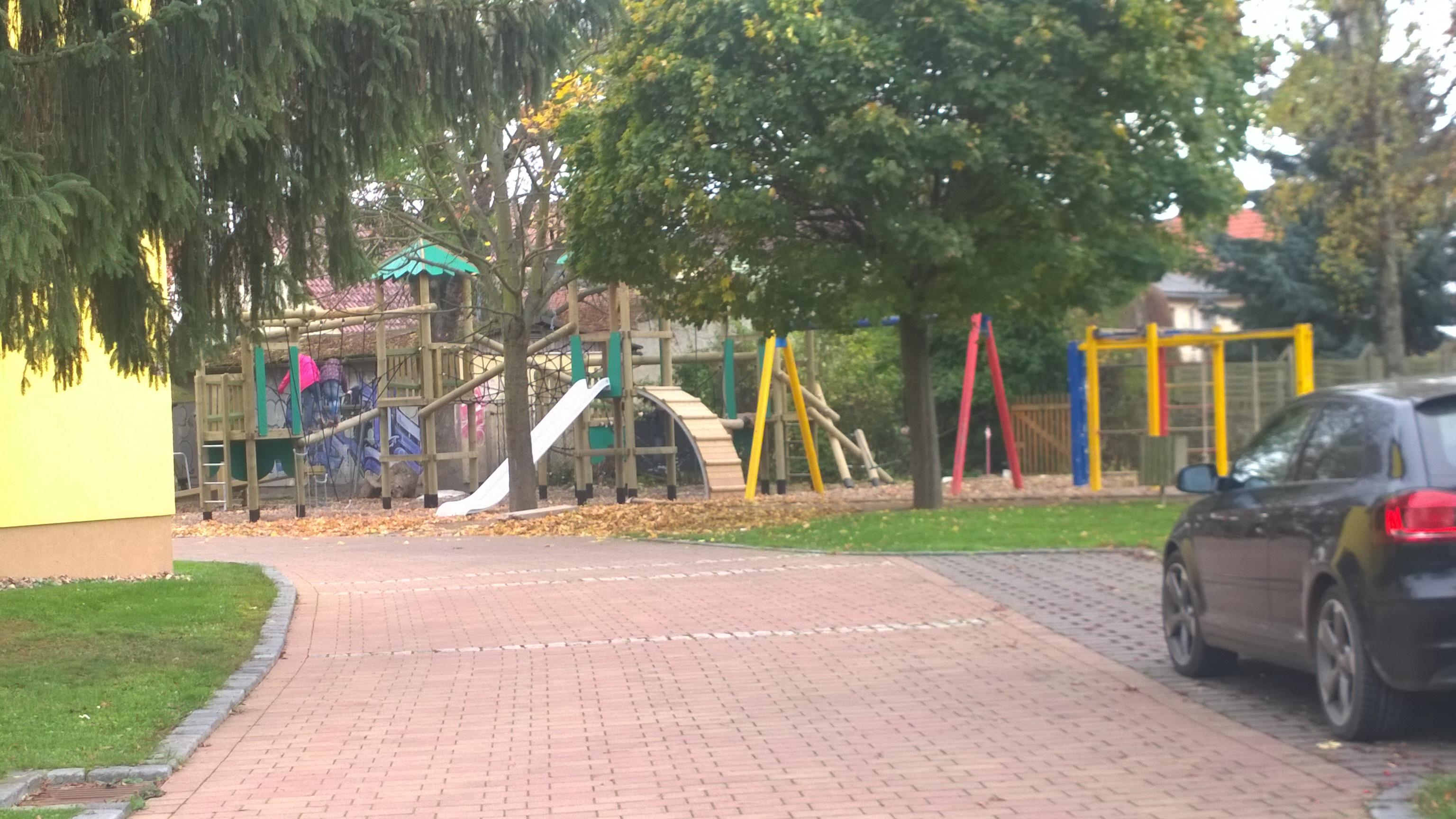 Spielplatz Grundschule nachher